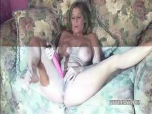 Petite wife Leeanna fucking her toy free