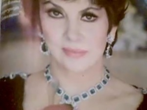 Pear neckless cum tribute to Gina Lollobrigida