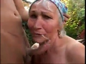 Young Dude Fuck His Old BadySitter in Front Of her house free