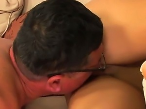 Teen and beautiful chick Amabella gets an awesome cunnilingus from a old fucker
