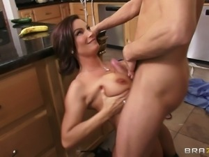 Gorgeous Diamond Foxxx with big tits and shaved pusys is