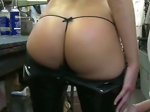 Awesome milf with huge yummy boobies makes a deepthroat to her new boyfriend