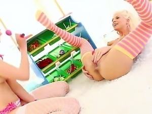 Sweet lesbians Jayda Diamonde and Katie Angel plays with a different toys