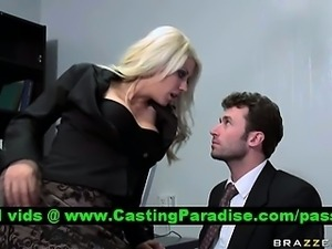 Jazy Berlin busty blonde gets pussy licked