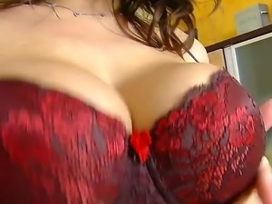 Sensual Jane uses her superb pair of tits to impress and give an amazing show