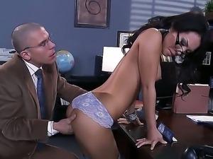 Hottie Asa Akira seduces hunk Mick Blue into deep fucking her tight pussy