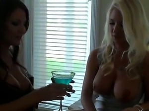 Arousing babes Lexi Stone and Molly Cavalli are having some drinks and start...