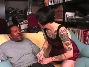 Hardcore interracial update in which Daisy Sparks proves that she needs a big...
