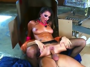 Homeless Keiran Lee gets his wild dreams come true when horny Lizz Tayler...
