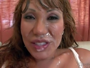 Ava Devine, Katie Kox, McKenzie Lee, Courtney Cummz and Kelly