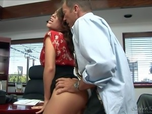 Sexy brunette secretary Kristina Rose with an amazing ass in