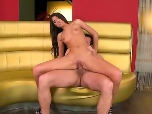 Totally nude bitch Nessa Shine rides up fat rod and starts giving rodeo on...