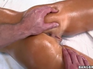 Tanned smoking hot blonde bomshell Tasha Reign with perfect firm ass and jaw...