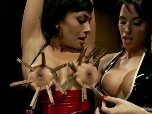 Beretta James and Gia Dimarco are two big boobed brunettes