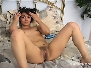 Sexy brunette gets a hand