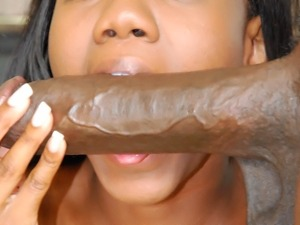 The best chocolate cock pleasing a hot ebony slut