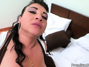 Senorita Kika has fire in her eyes as she gets her vagina licked out by...