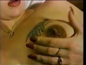 Natural pregnant prelactating nipple
