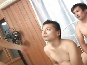 Submile Japanese gal Momo Aizawa with two dudes uncensored