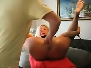 Mature Woman Extreme Fisting And Squirt