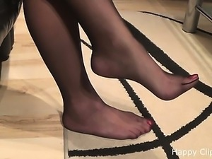 Kimberly footplay in nylons