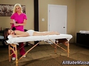 Lesbian massage babe fingers client