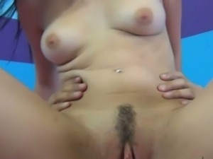 Veronica squirts after she grinds on cock