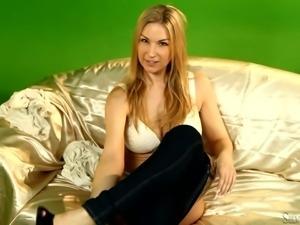 silvia's perfect blonde