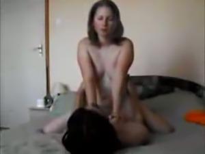 Amateur curvy wife on real homemade - sibel18 com