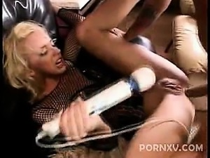 This clip opens with lovely pornstar Kelly Wells coming in wearing a see...