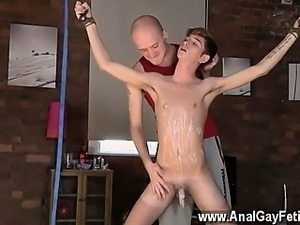 Twink video Kieron Knight likes to deepthroat the hot spunk