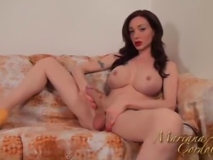 Mariana Cordoba Playing with my yellow dildo