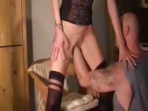 Amateur wife enjoys a huge fisting orgasm