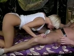 Blonde chick takes Marc Wallice's cock in 1970's