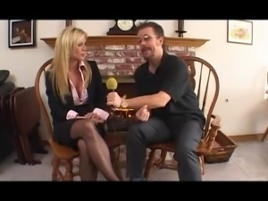 Lucky Man Fucks Gorgeous Cougar