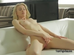 Angelic blonde beauty bringing her creamy mound to climax