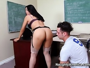 John Espizedo bangs Oriental Mika Tan as hard as possible in steamy sex action