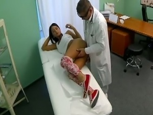 Doctor cures patient's back pain with pussy fuck