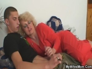 Mother-in-law fucks her son in law free