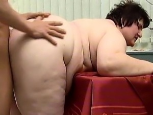 Nasty fat mature slut goes crazy sucking part4