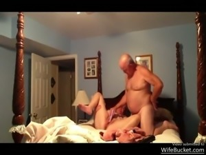 Mature amateur wife gets dildoed by her man