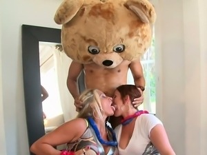 Girl gets fucked in doggy in front of her friends