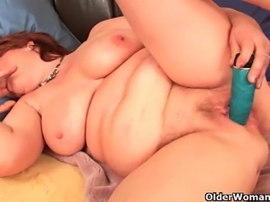 Fat mature sluts masturbate for your enjoyment