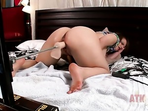 Brunette asian Shelly Starr with big jugs and bald snatch spends time...