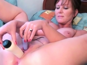 Mom\'s soaked pussy needs attention