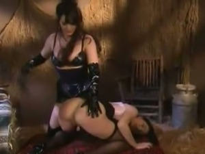 Hot babes loves getting kinky in spank pleasure.