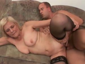 Mature couple enjoys hardcore whacking