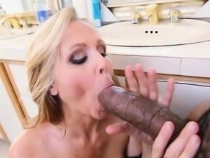 Julia Ann fucked by a humongus cock!