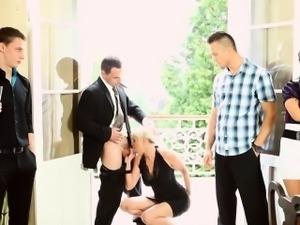 Glam bisex sluts suck cock at classy orgy