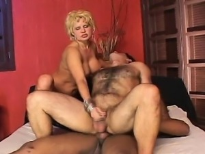 Have enjoyment with bisexual scene